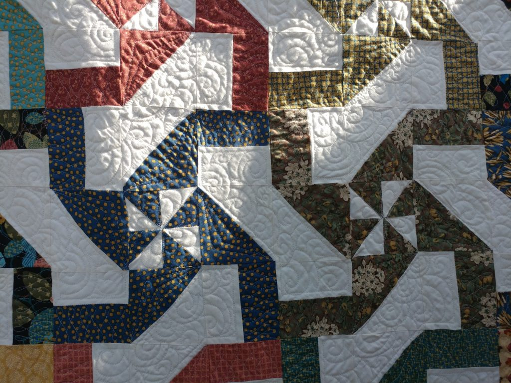 Disappearing Hourglass Quilt - quilting detail